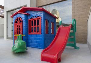 Imagem mostra a área infantil da área de lazer do L'Essence.