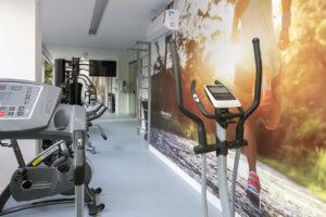Imagem mostra a academia do edifício L'Essence, da Monterre Construtora.
