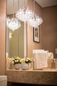 banheiro da suite do apartamento decorado living savassi